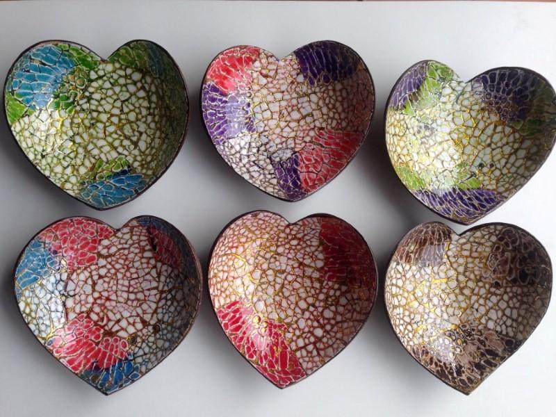 Chén dừa cẩn trứng hình trái tim