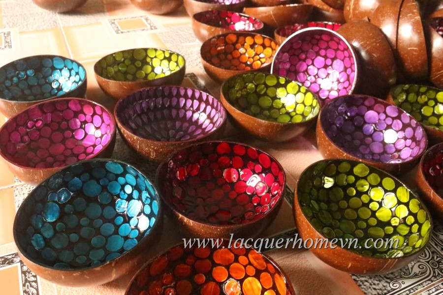 Coconut lacquered bowls