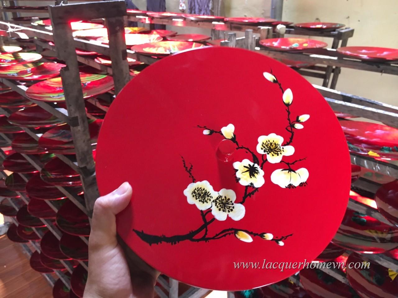 HT9981 Hộp mứt sơn mài vẽ hoa đào nền đỏ